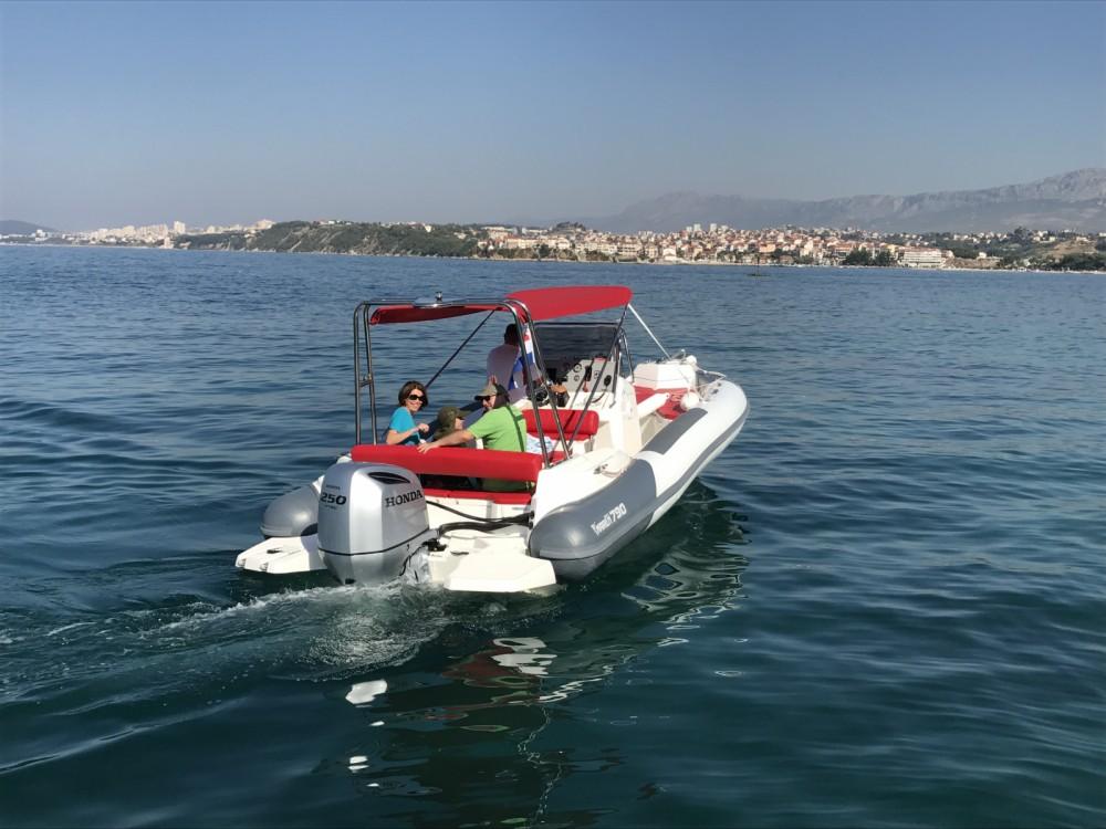 Huur Rubberboot met of zonder schipper Marlin Boat in Split