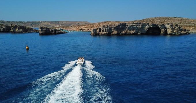 Verhuur Rubberboot in Sliema - Castoldi Jet 21