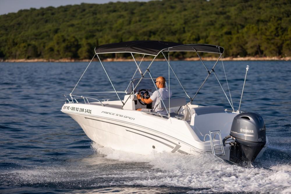 AM Yacht Prince 570 Open te huur van particulier of professional in Malinska