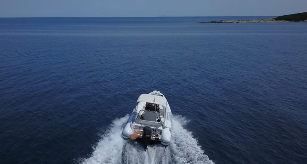Verhuur Rubberboot in  - Sacs 78