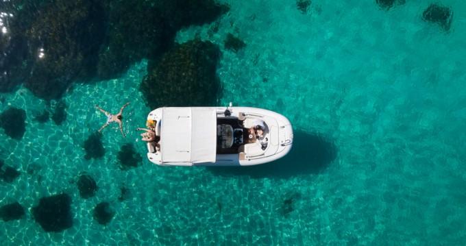 Rubberboot te huur in Sliema voor de beste prijs