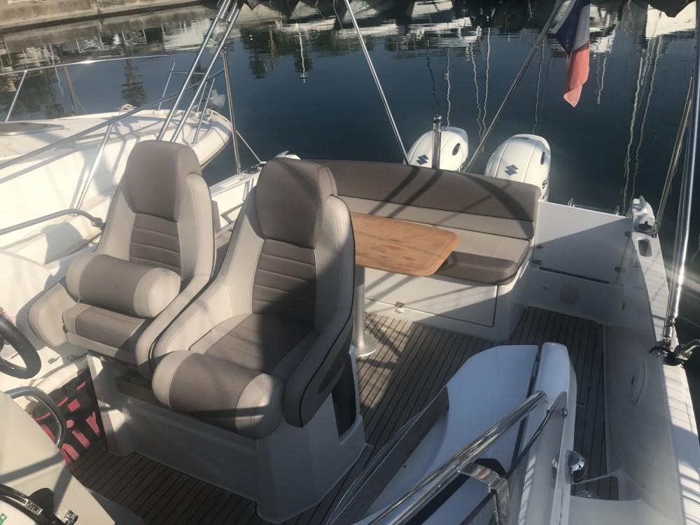 Verhuur Motorboot in Antibes - Jeanneau Cap Camarat 8.5 WA