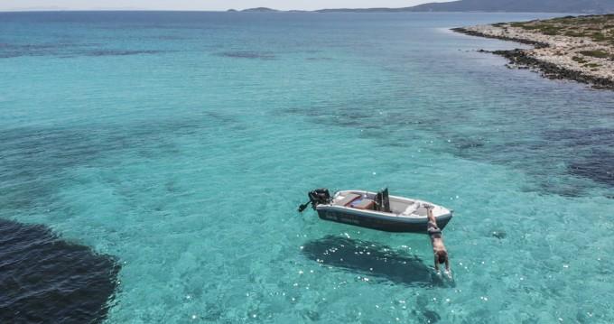 Huur Motorboot met of zonder schipper The Sailor's Ride in Paros