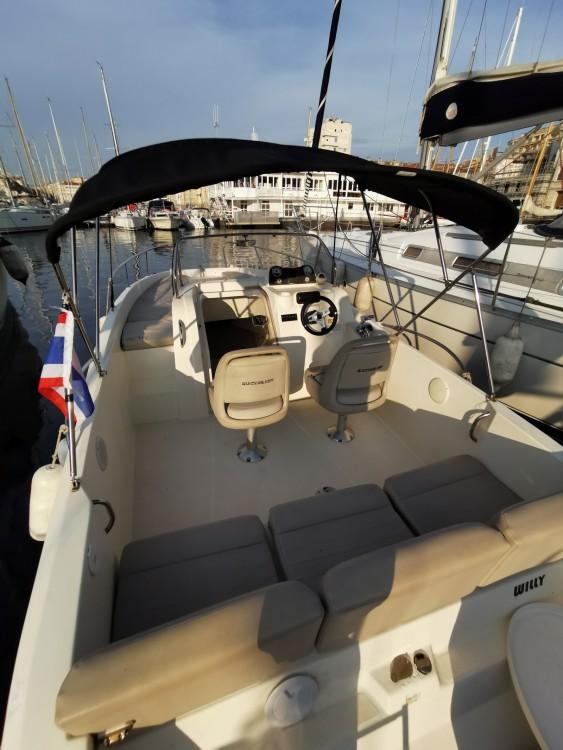 Bootverhuur Marseille goedkoop Activ 675 Sundeck