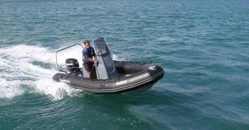 Huur Rubberboot met of zonder schipper Bombard in La Flotte