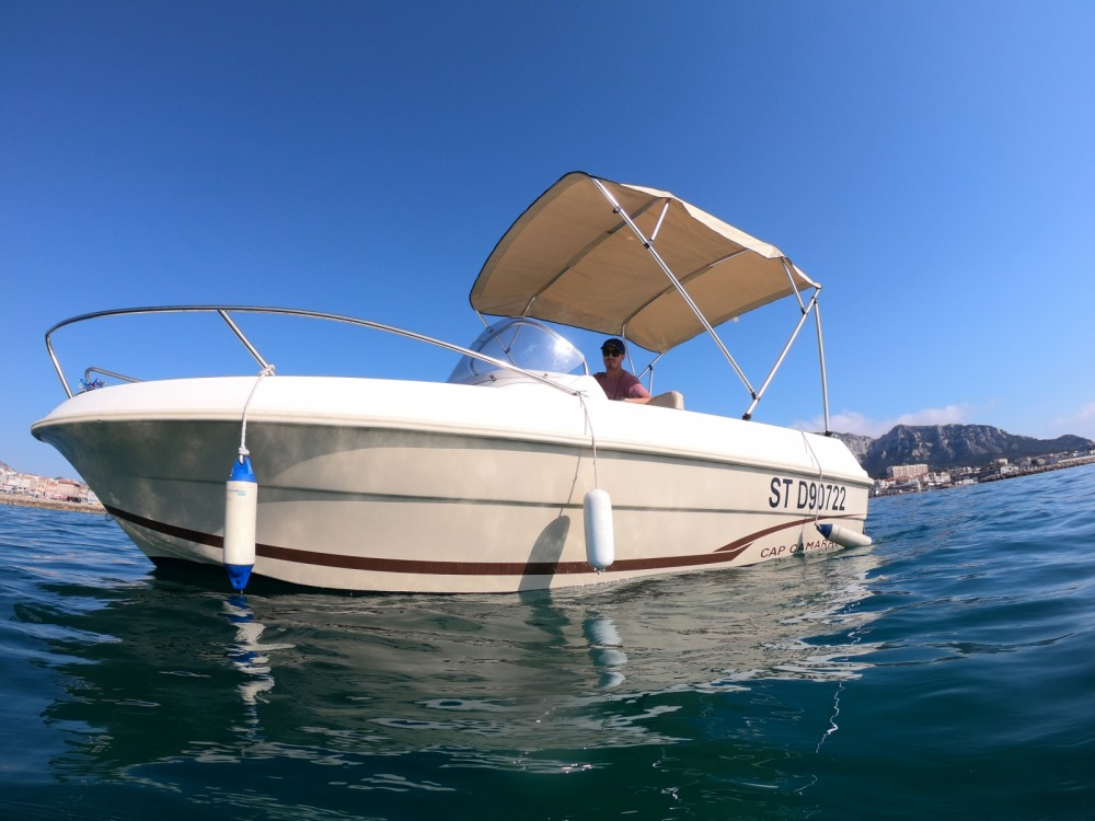 Bootverhuur Marseille goedkoop Cap Camarat 555 Style