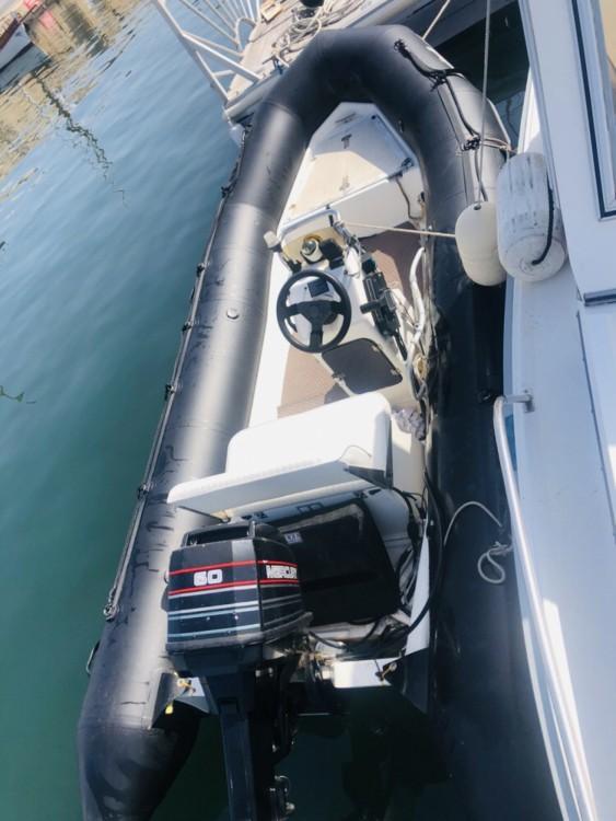 Bootverhuur Saint-Tropez goedkoop Explorer 550