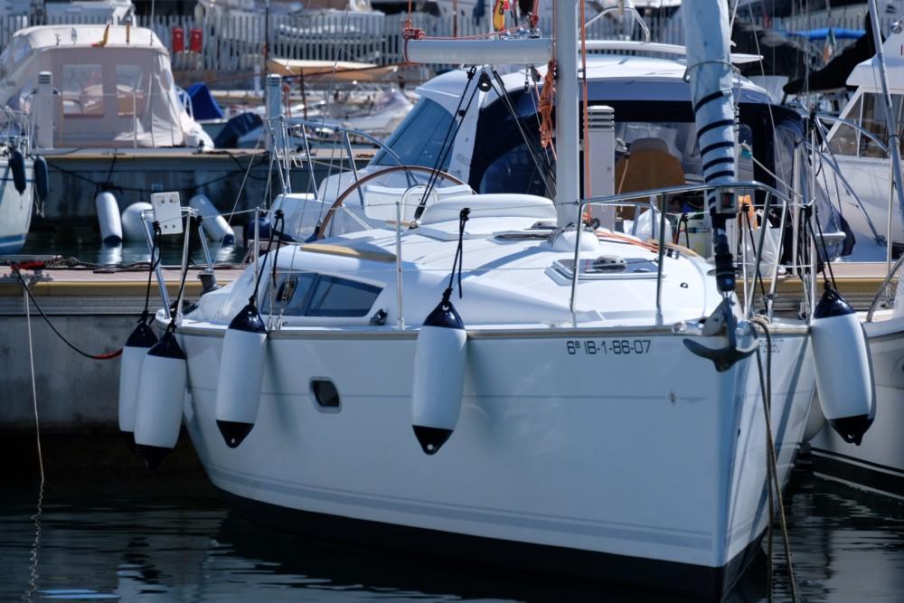 Zeilboot te huur in Santa Eulària des Riu voor de beste prijs