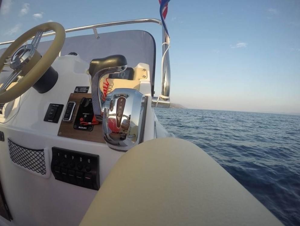 Huur een Aquamax B27 Offshore in Bol