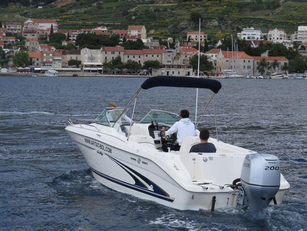 Verhuur Motorboot in Bol - Sea Ray  H 210
