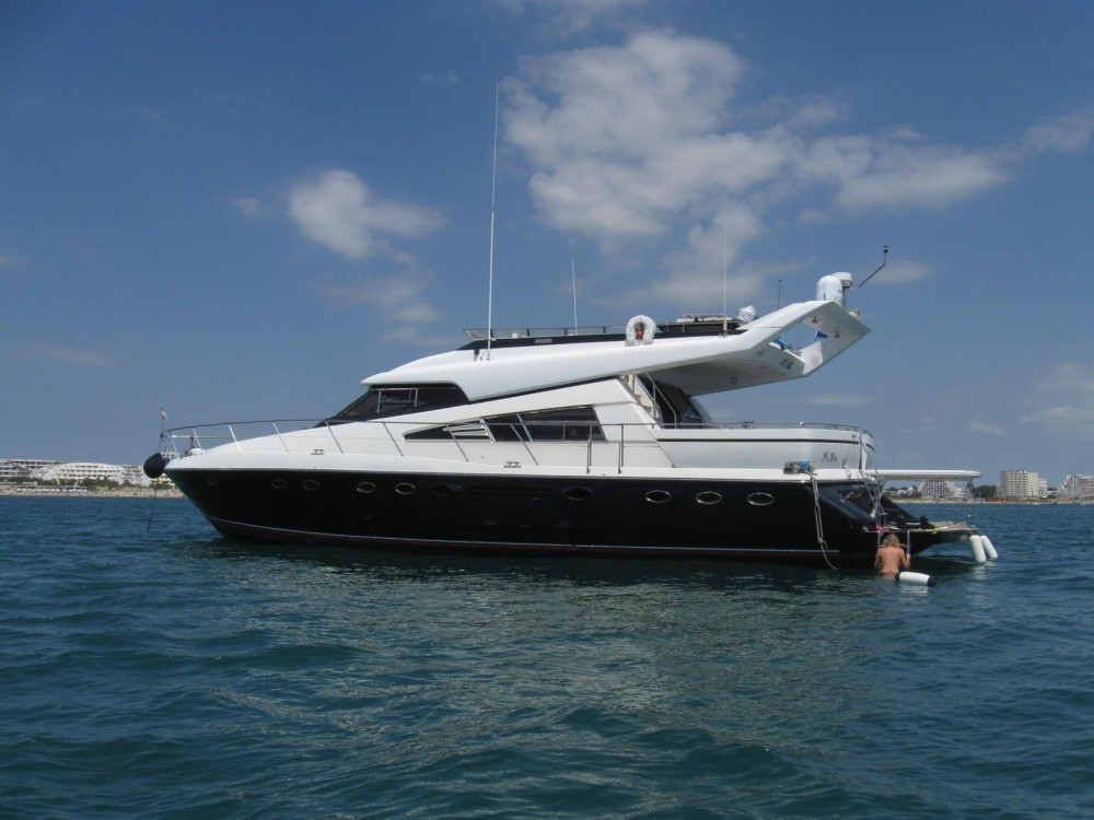 Johnson 65 te huur van particulier of professional in Porto-Vecchio