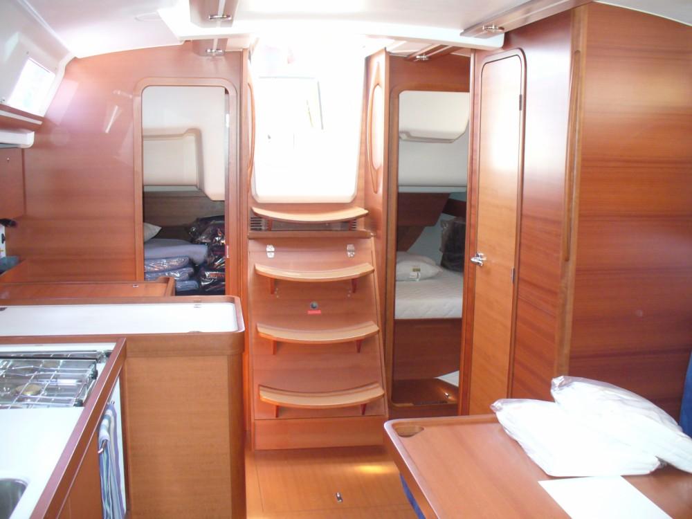 Bootverhuur Dufour Dufour 375 Grand Large in Saint-Cyprien via SamBoat