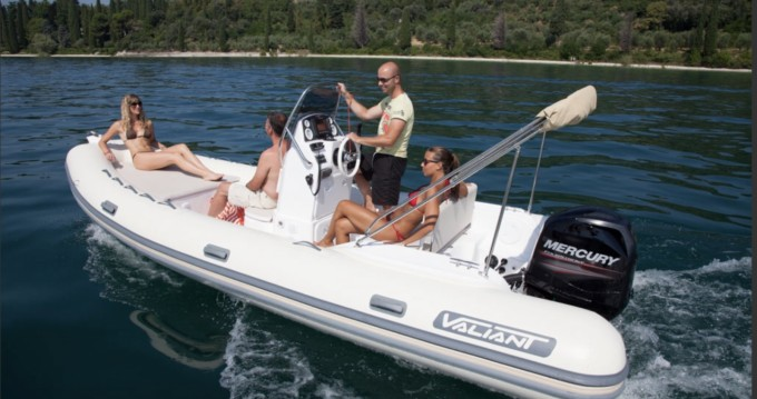 Verhuur Rubberboot in Six-Fours-les-Plages - Valiant 580