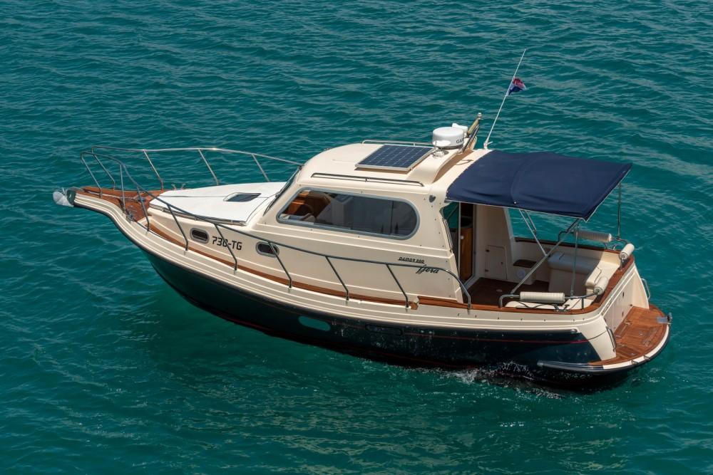 Huur Motorboot met of zonder schipper Damor Fjera in Split