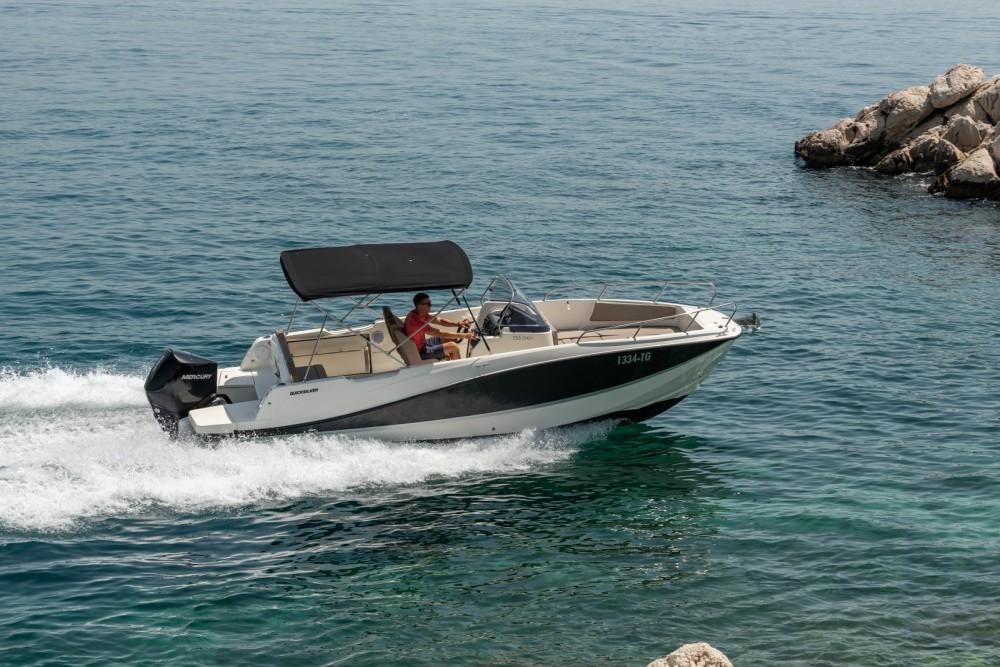 Quicksilver Activ 755 Open te huur van particulier of professional in Trogir