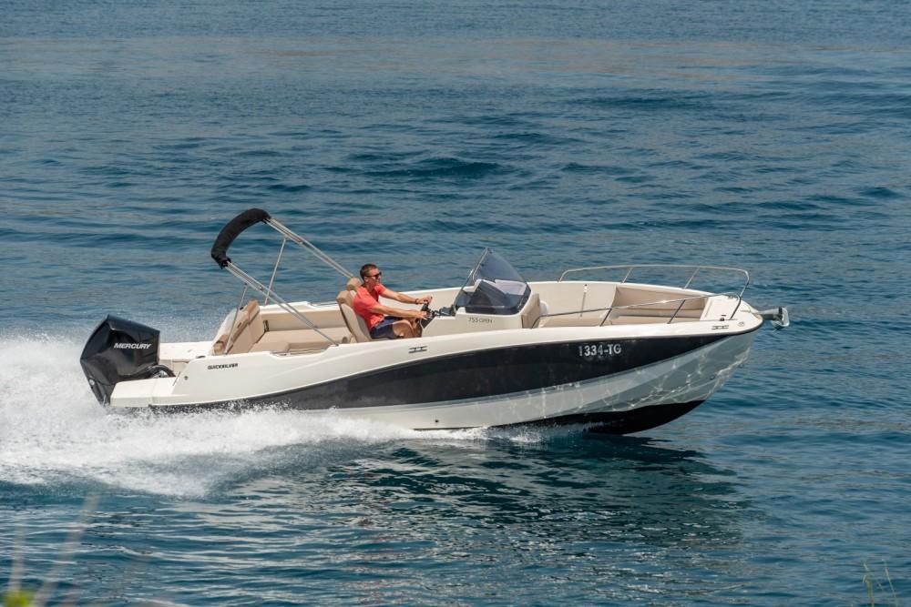Huur een Quicksilver Activ 755 Open in Trogir