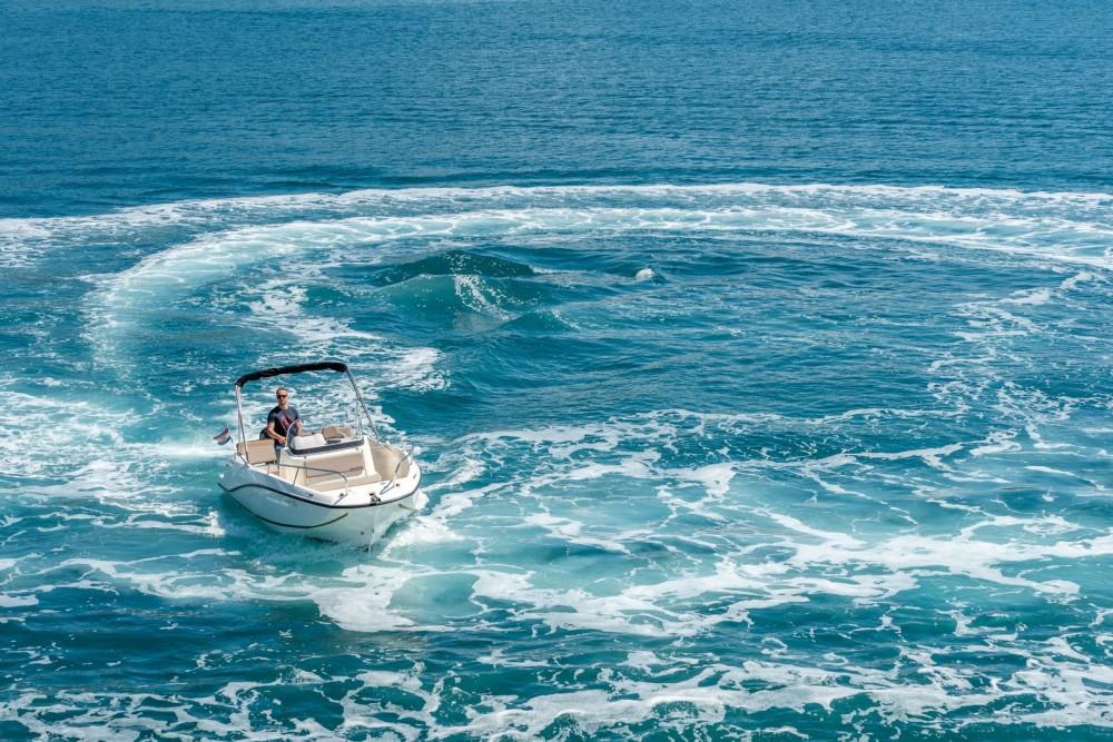 Jachthuur in Trogir - Quicksilver Activ 605 Open via SamBoat