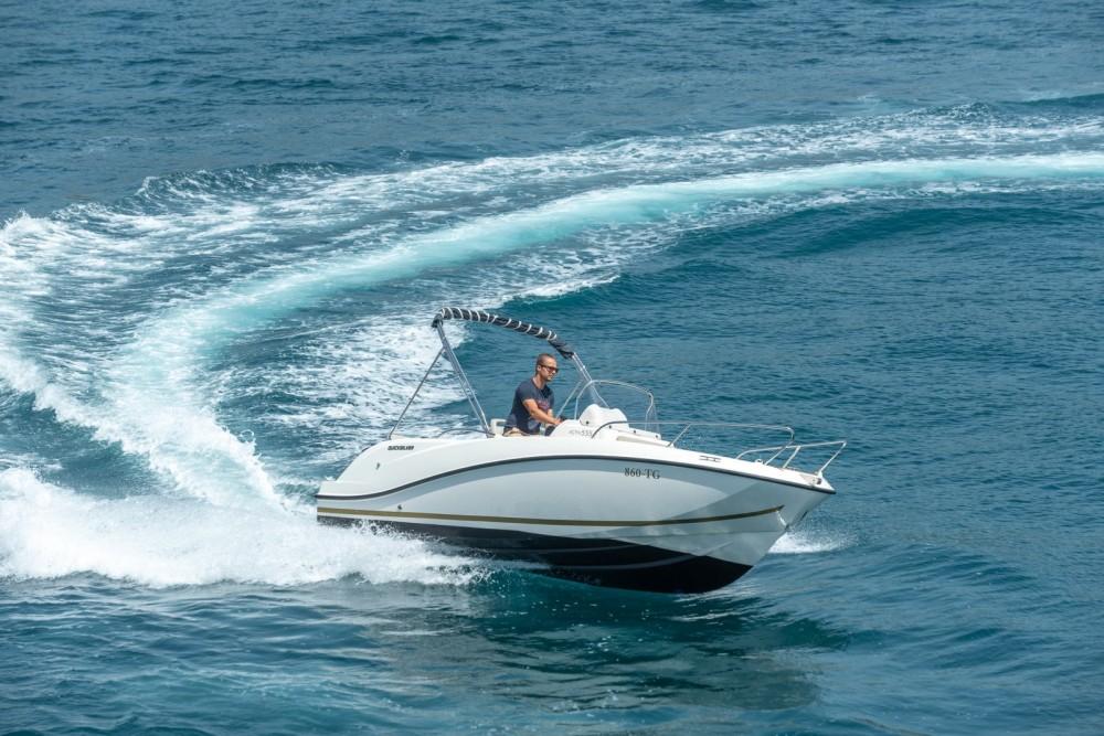 Huur Motorboot met of zonder schipper Quicksilver in Split