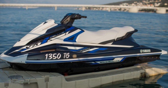 Huur Rubberboot met of zonder schipper Yamaha in Trogir