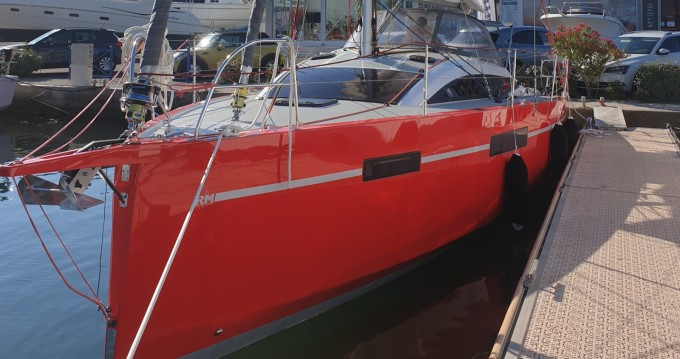 Huur een Fora Marine RM1070 in Port-Camargue