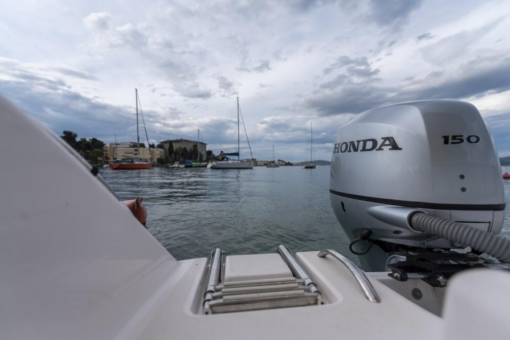 Bootverhuur Zadar goedkoop Fishing 650 Cabin