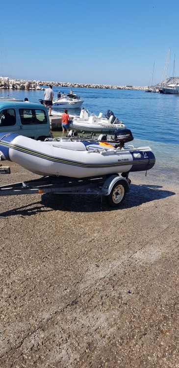Bootverhuur Zodiac Cadet 340 Solid in Marseille via SamBoat