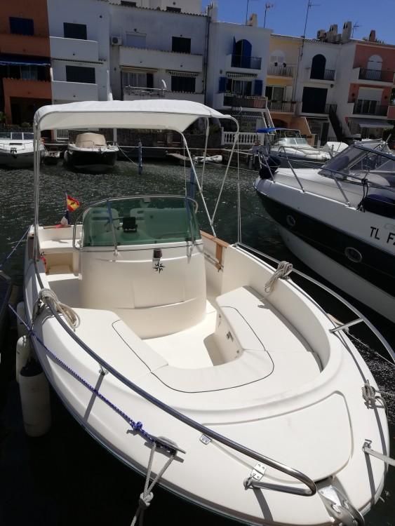 Motorboot te huur in Castelló d'Empúries voor de beste prijs