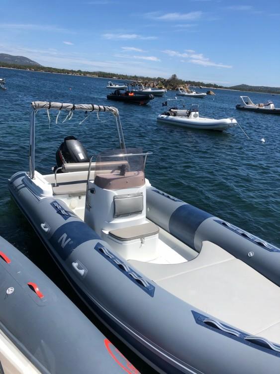 Huur een Nadir G22 in Toulon