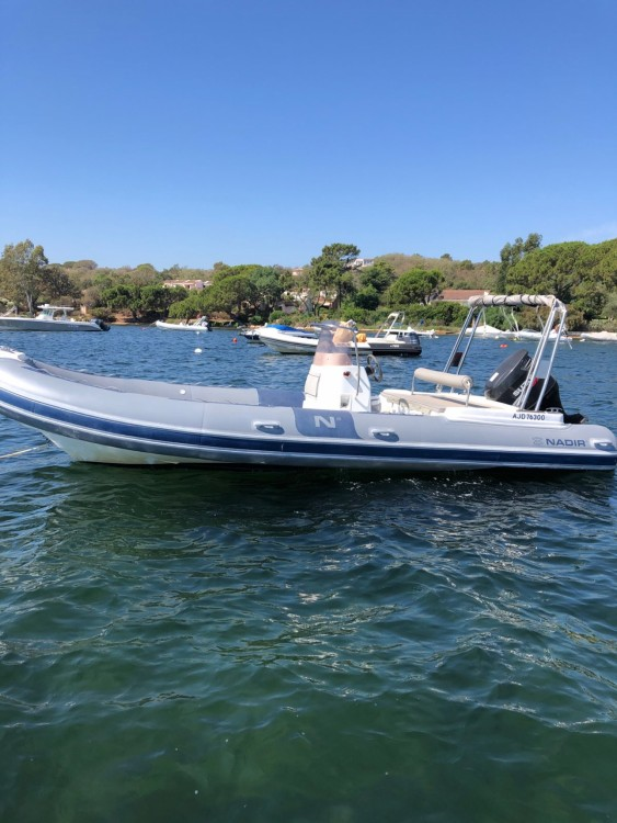 Rubberboot te huur in Toulon voor de beste prijs