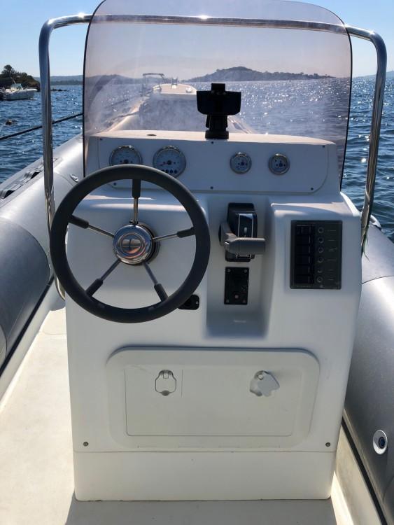 Verhuur Rubberboot Nadir met vaarbewijs