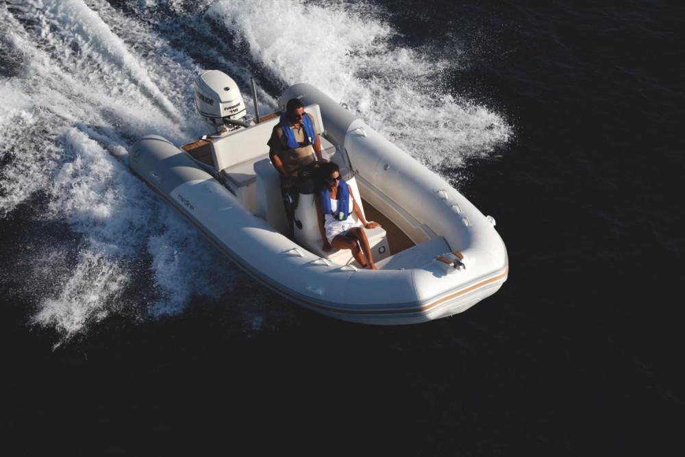 Bootverhuur La Trinité-sur-Mer goedkoop Medline 580