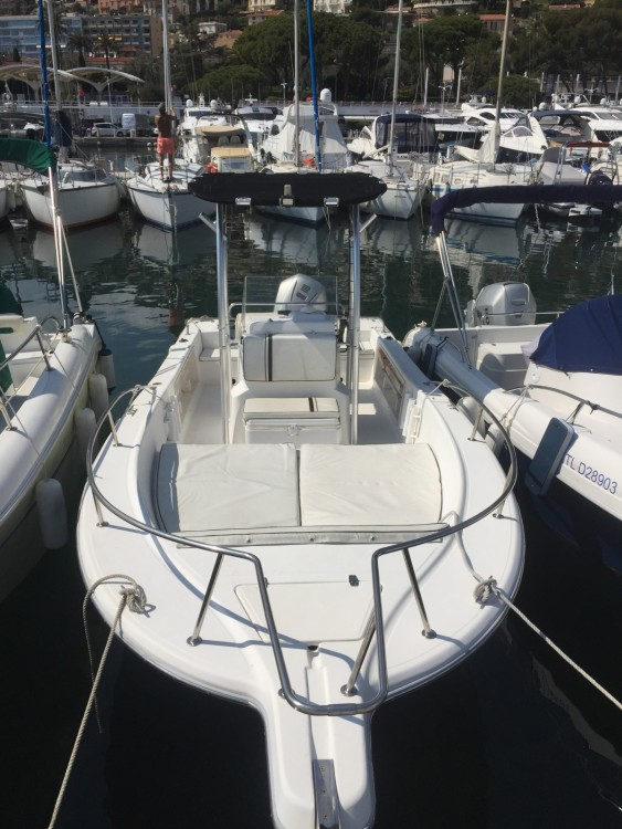 Kelt White Shark 215 te huur van particulier of professional in Saint-Jean-Cap-Ferrat