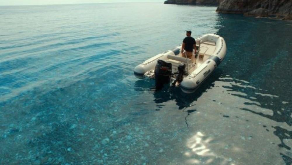 Rubberboot te huur in Sfakia voor de beste prijs
