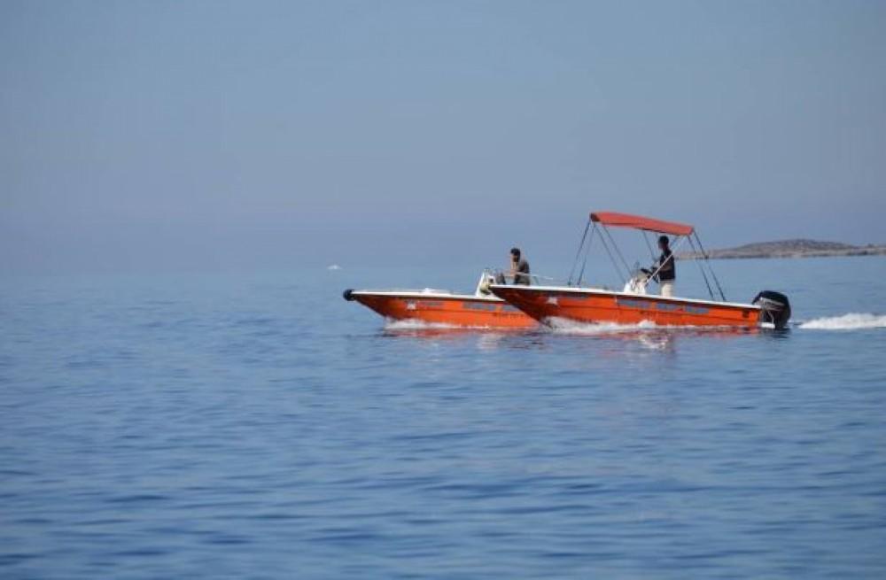 Motorboot te huur in Sfakia voor de beste prijs