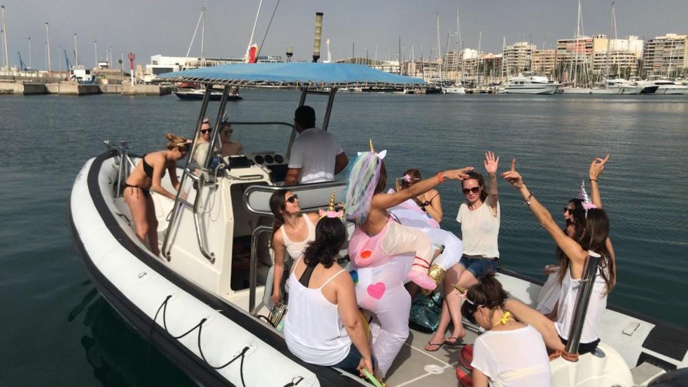 Rayglass Protector 8.5 Cabin te huur van particulier of professional in Alicante