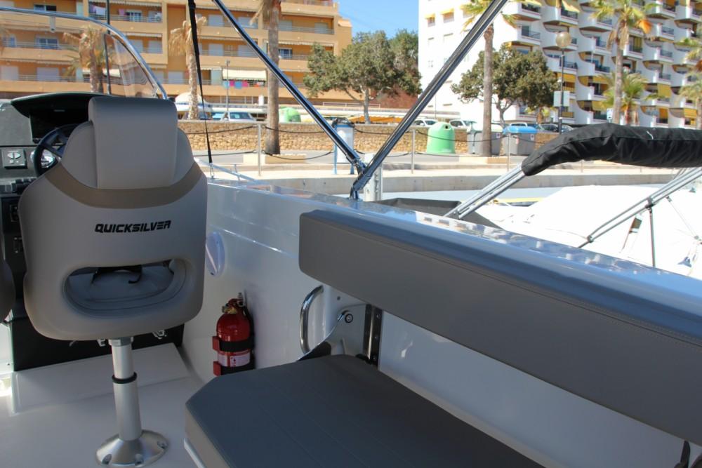 Bootverhuur Quicksilver Activ 805 Sundeck in la Vila Joiosa / Villajoyosa via SamBoat