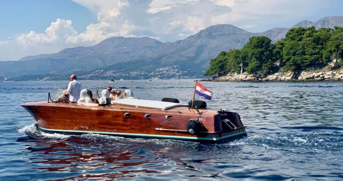 Huur Motorboot met of zonder schipper Gospar in Dubrovnik