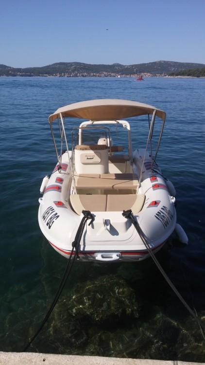 Verhuur Rubberboot Barracuda met vaarbewijs