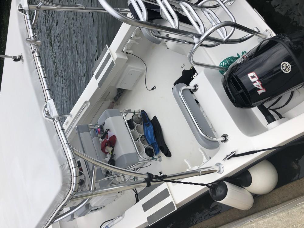 Verhuur Motorboot twinvee met vaarbewijs