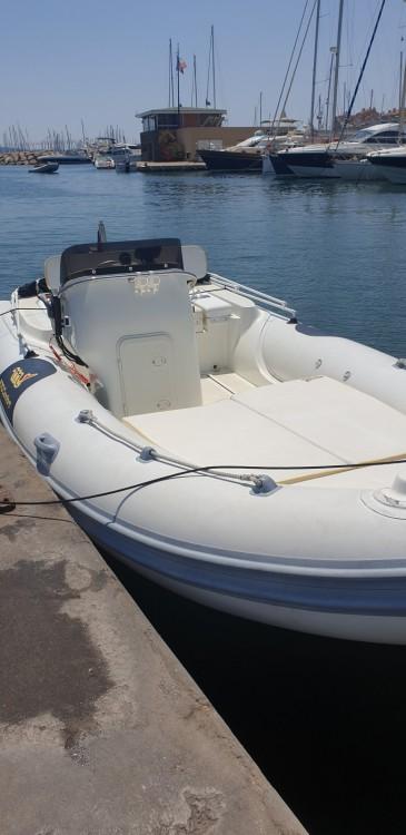 Huur een Motonautica-Vesuviana MV 570 Comfort in Hyères