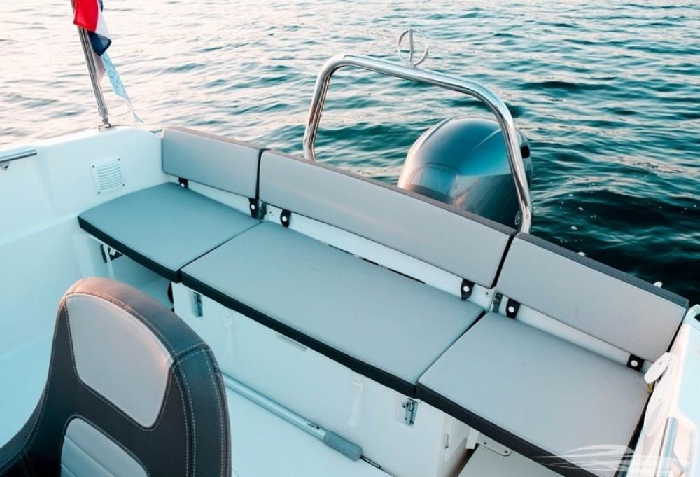 Bootverhuur Jeanneau Cap Camarat 5.5 CC in Trogir via SamBoat