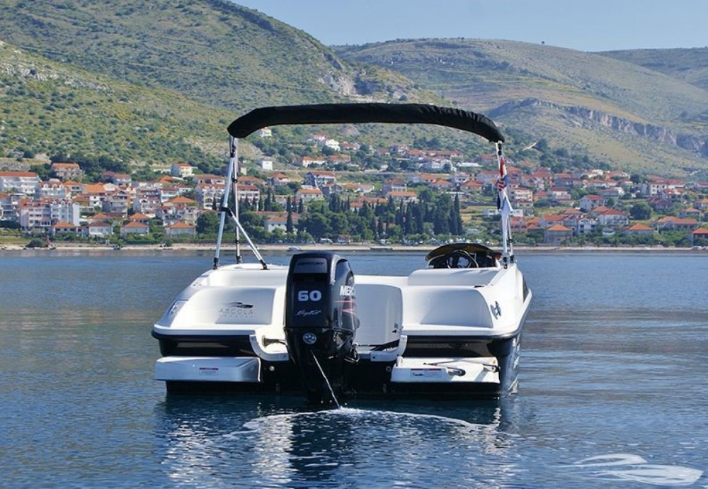 Bayliner Element te huur van particulier of professional in Trogir