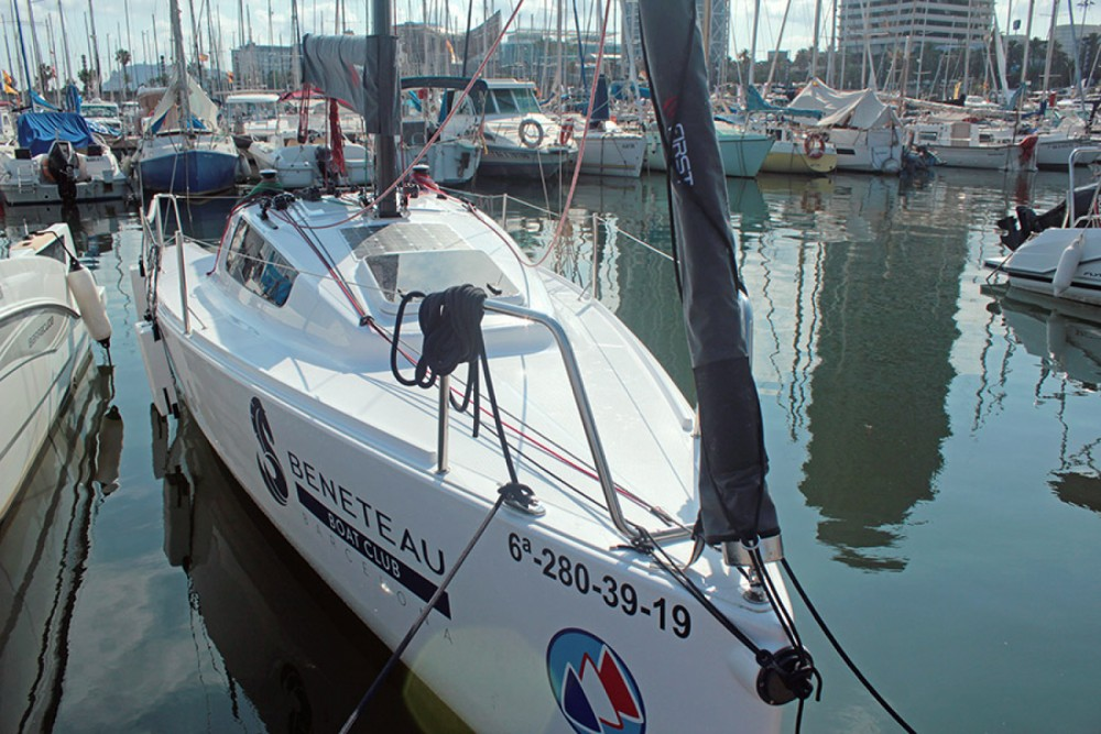Bootverhuur Bénéteau First 24 in Barcelona via SamBoat