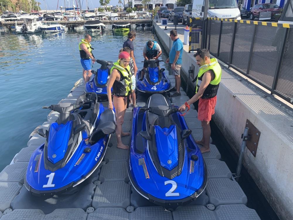 Huur Rubberboot met of zonder schipper Yamaha in Nerja