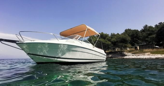 Jeanneau Leader 605 Luxe te huur van particulier of professional in Split