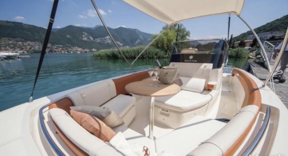 Invictus  Invictus 270 FX te huur van particulier of professional in Cannes