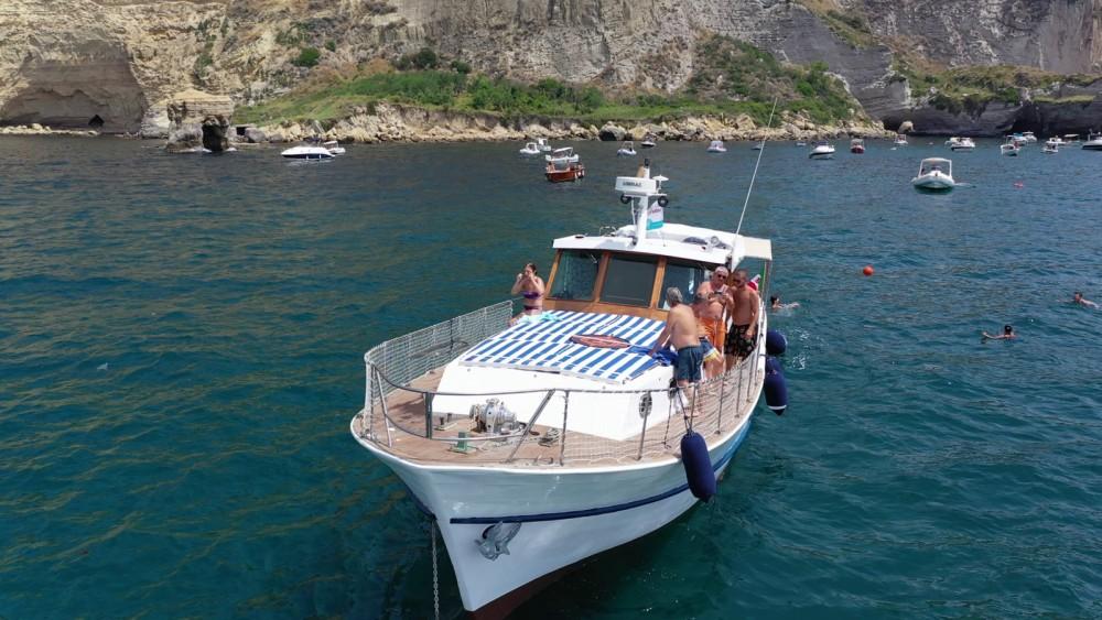 Verhuur Motorboot Cantieri Gatto met vaarbewijs