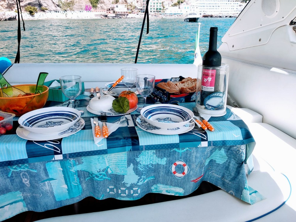 Motorboot te huur in Castellammare di Stabia voor de beste prijs