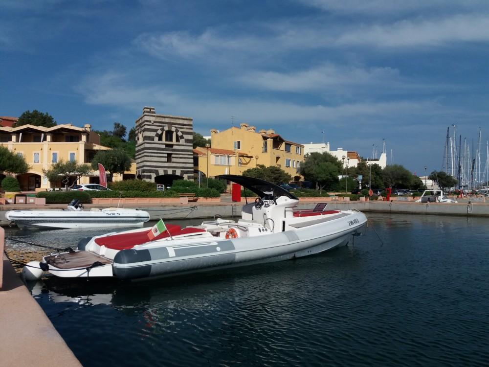 Huur een Pirelli P1100 cabin in Porto Rotondo
