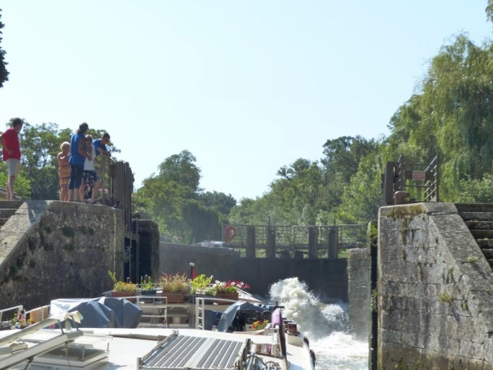 Woonboot te huur in Carcassonne voor de beste prijs